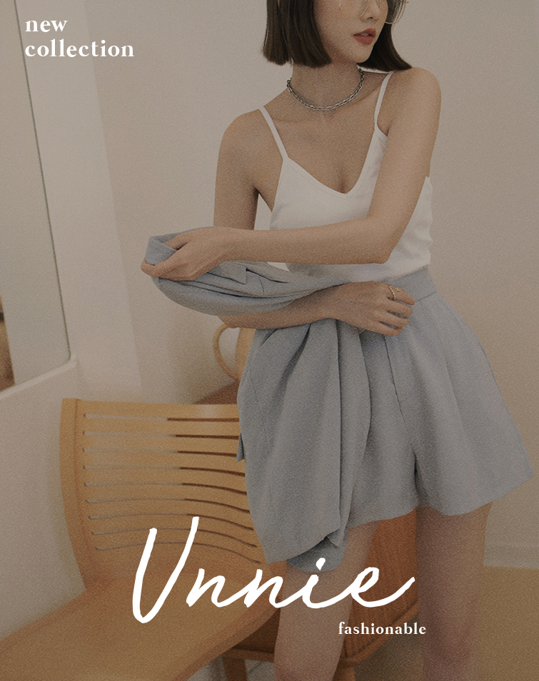 FRONT V PADDED CROP CAMISOLE