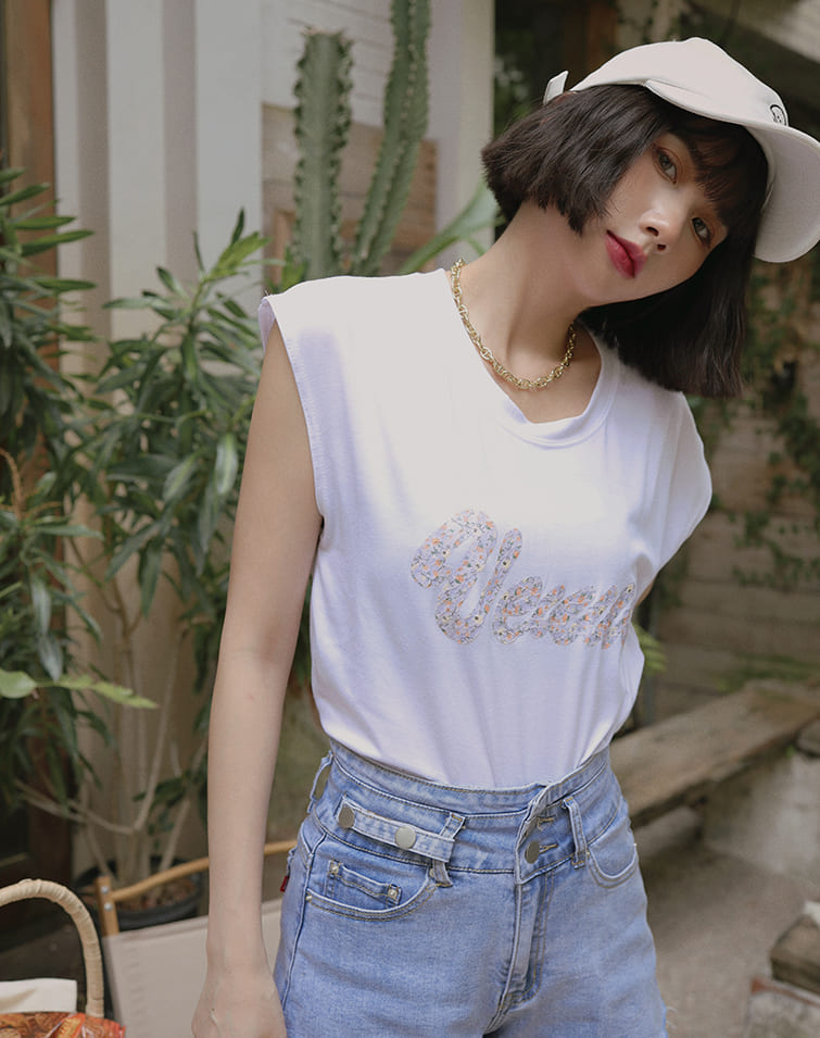 MIT FLOWER LACE TEXT TANK TOP