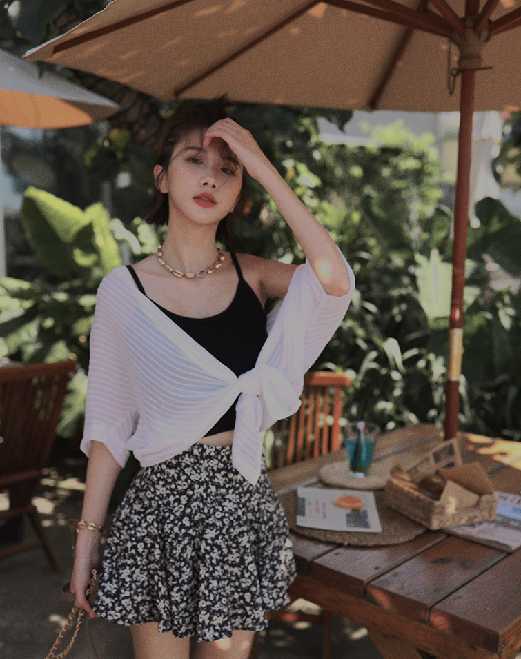 SHEER STRAIGHT PATTERN BLOUSE TOP