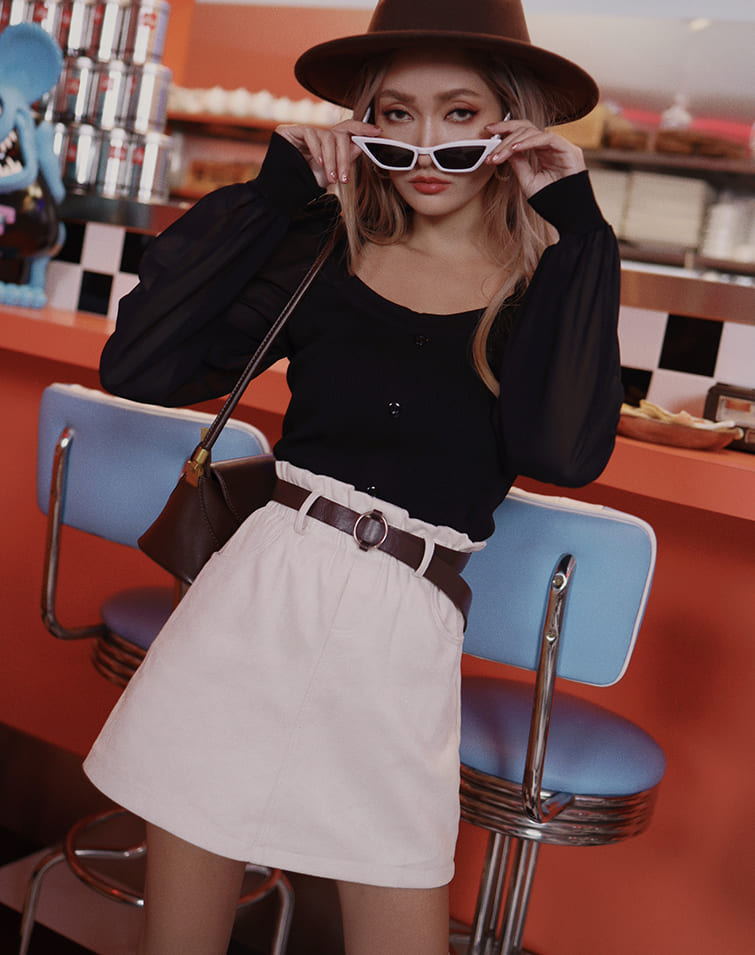 SQUARE COLLAR SHEER SLEEVE TOP