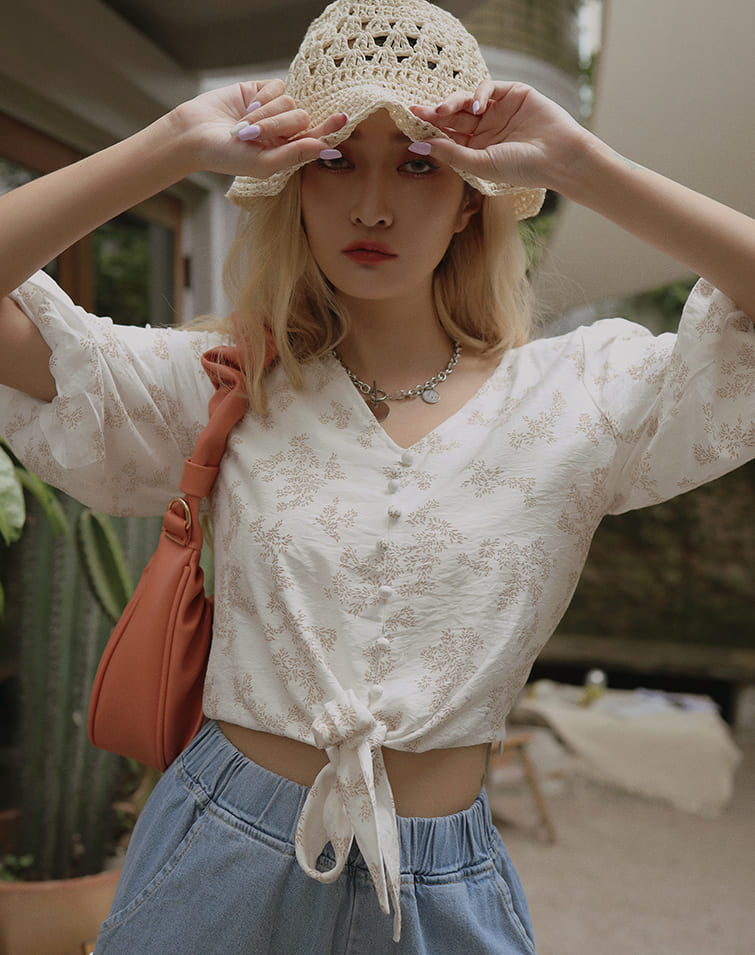 LEAFY V-NECK PUFF SLEEVE TIE TOP