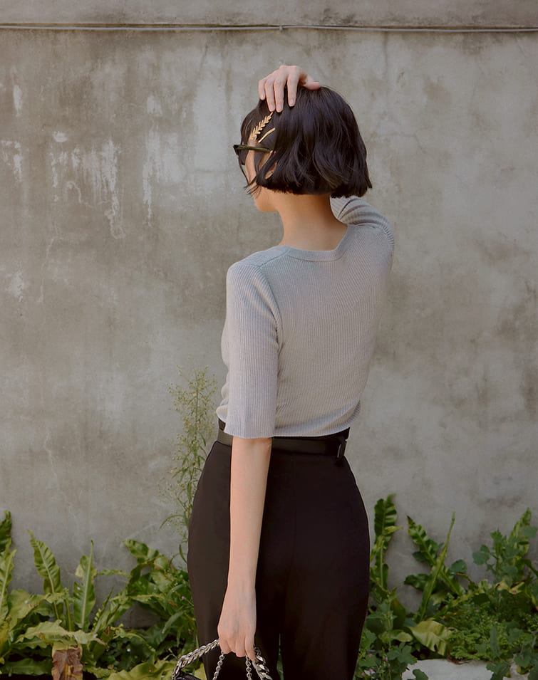 ELBOW-LENGTH SLEEVES RIBBED TOP