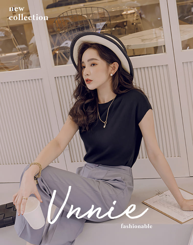 WIDE SLEEVE RIBBED KNIT TOP