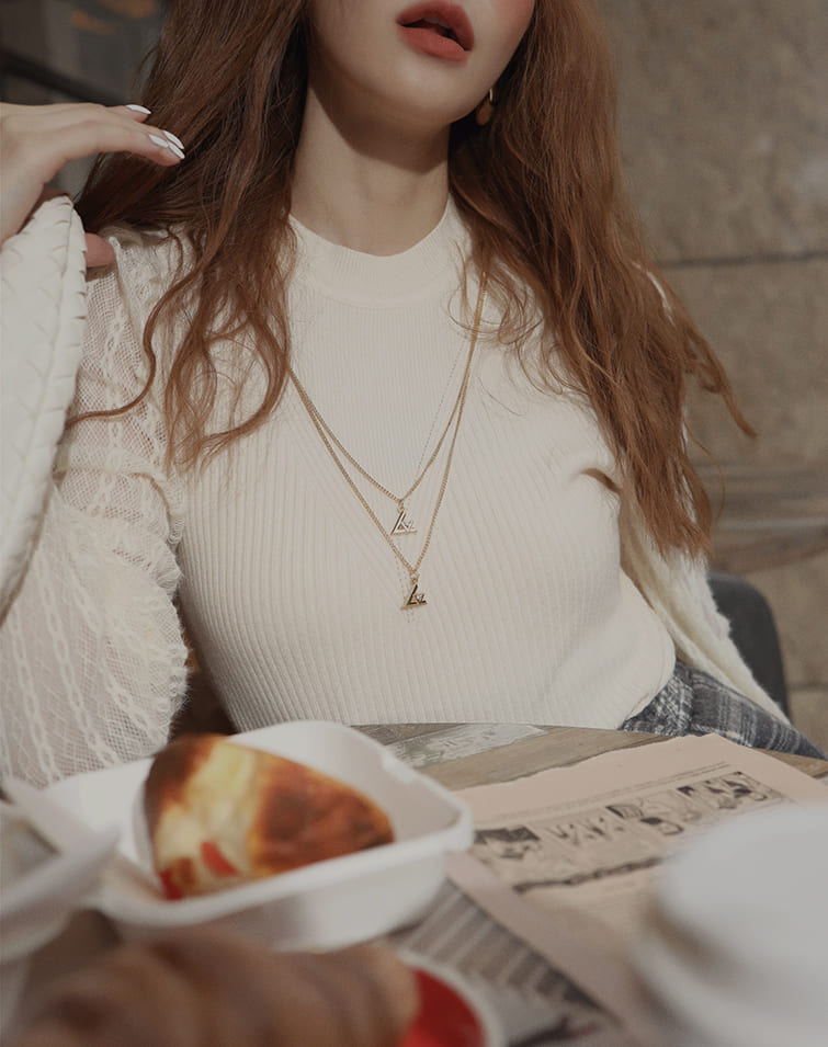 FLOWER MESH SLEEVE NECKLACE KNIT TOP