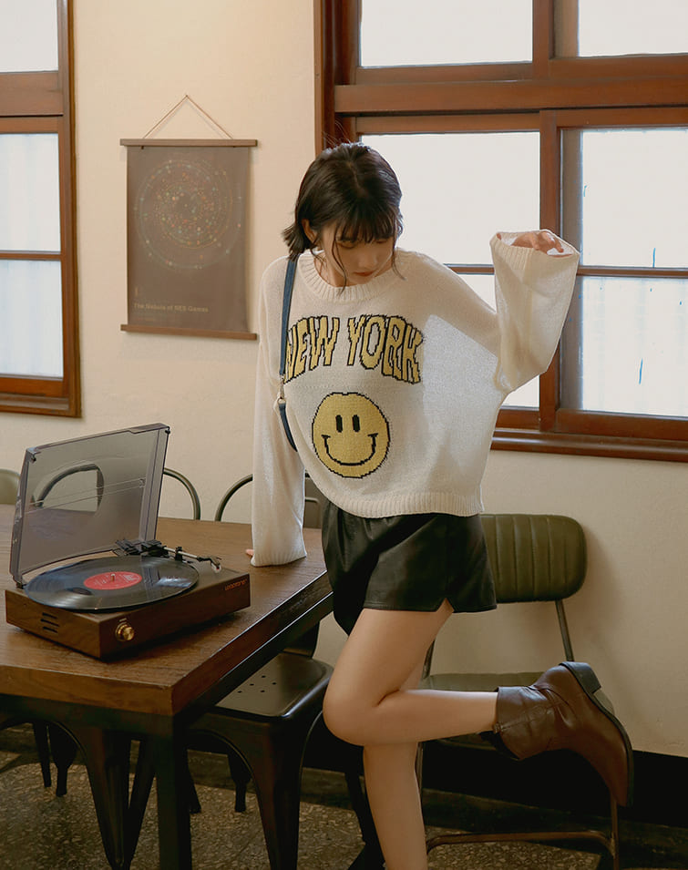 SMILEY NEW YORK KNIT TOP