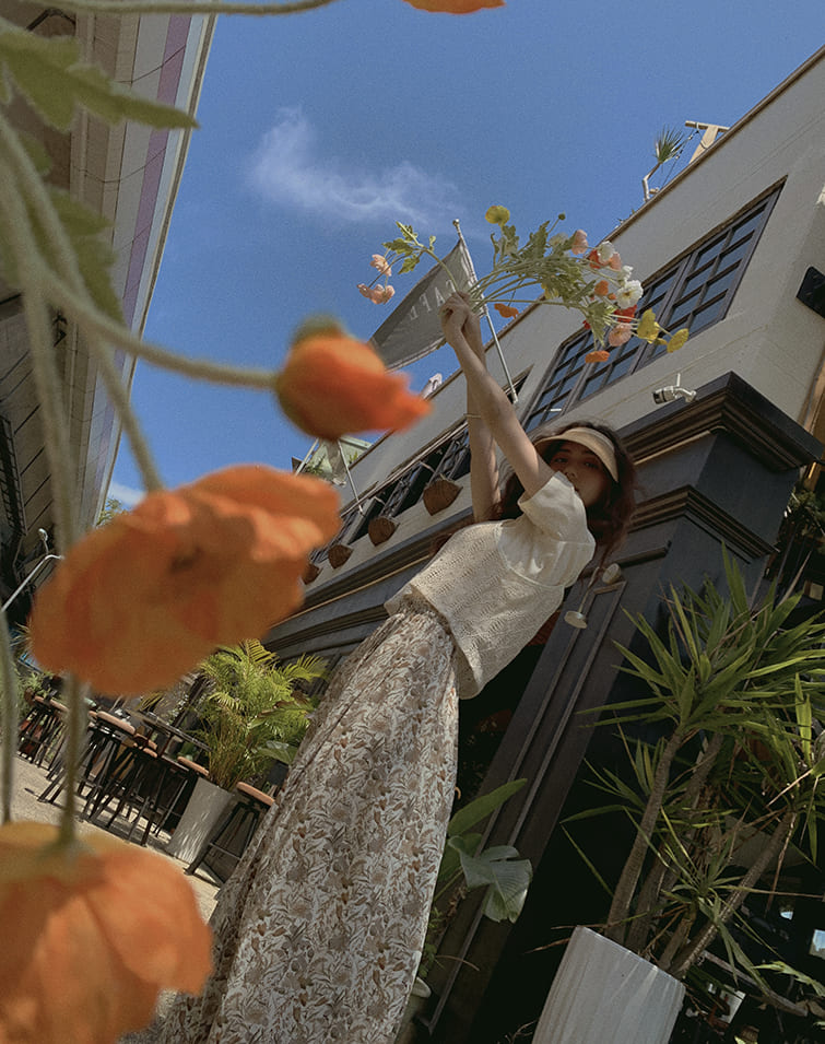 FLOWER PLEATS STRETCH WAIST SKIRT