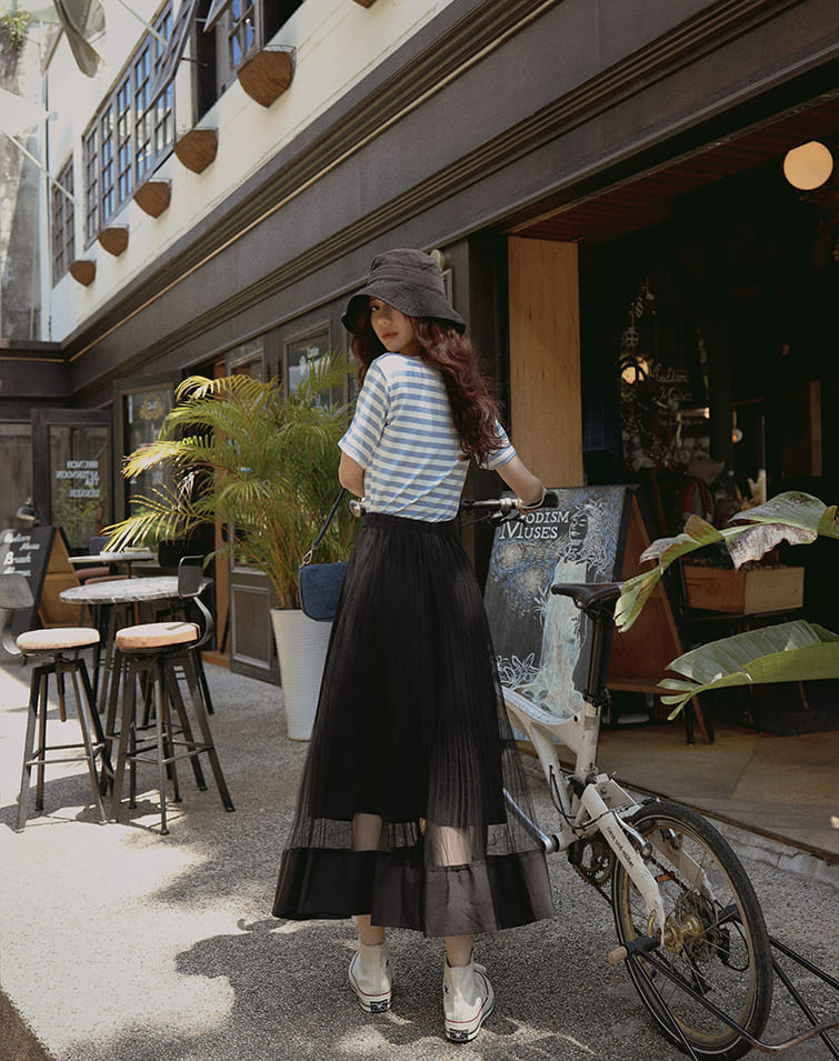 PLEATED LOW SHEER TULLE SKIRT