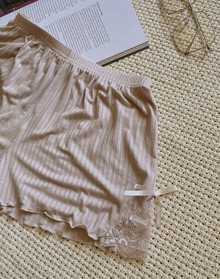 RIBBED LACE CURLY SAFETY SHORT