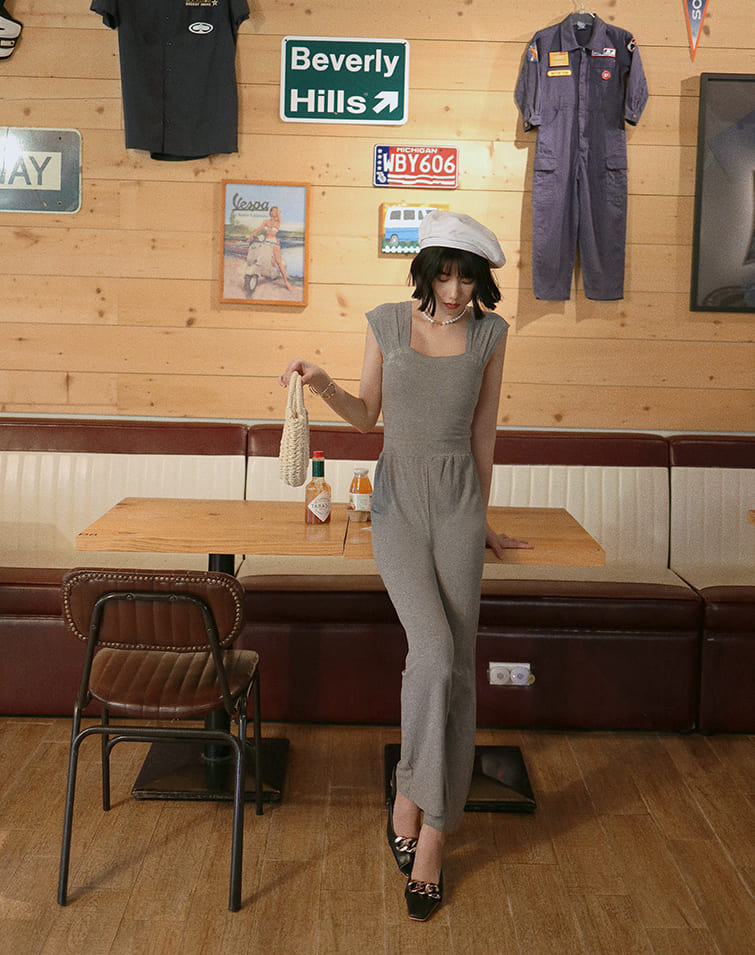 STRETCHY RIBBED WIDE STRAP JUMPSUIT