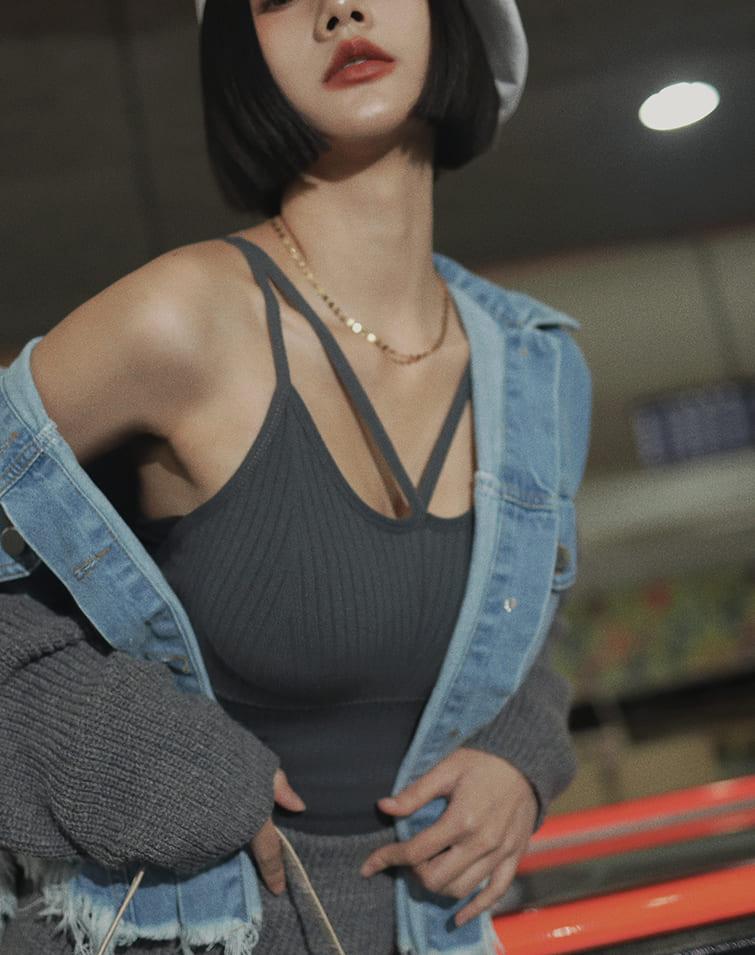 SEXY STRAPS CORSET-LIKE BRA TOP