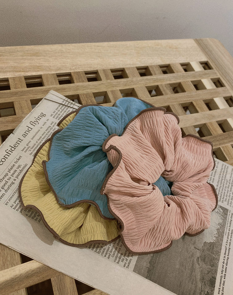CANDY COLOUR CREASED SCRUNCHIE