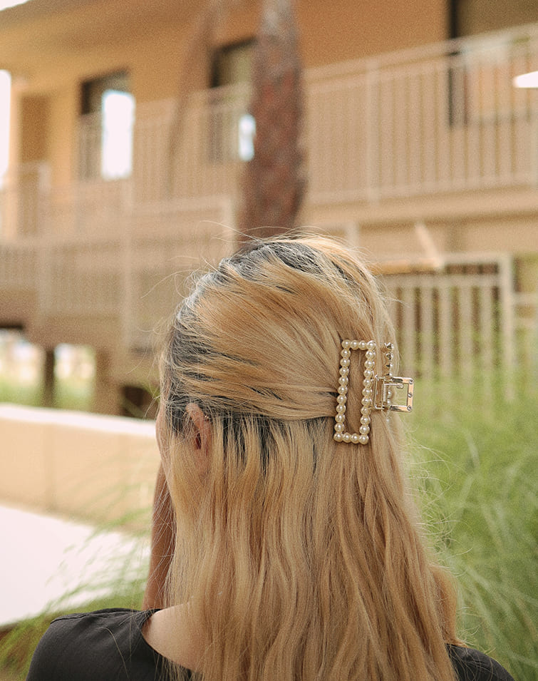 RECTANGLE PEARL BEADS HAIR CLAW