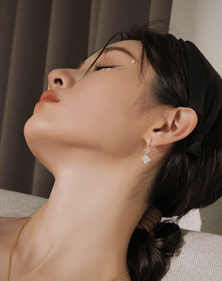 DOUBLE LUCK CLOVER EARRINGS