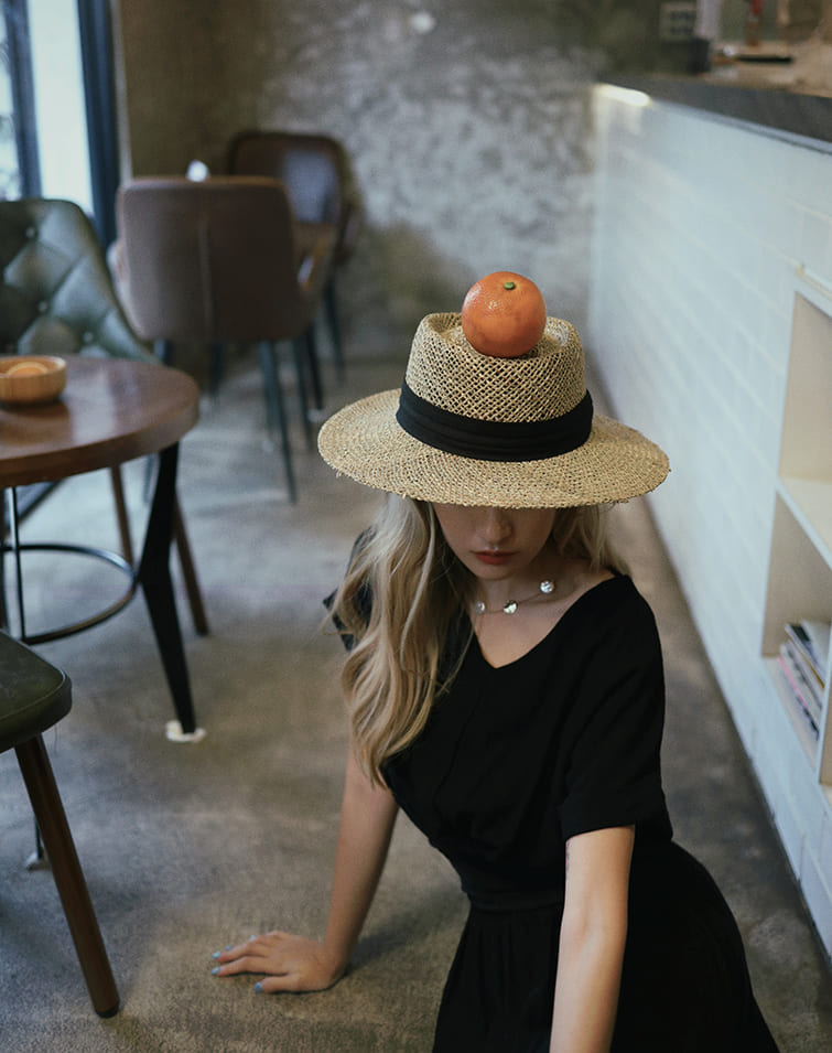 BAND WOVEN FLAT TOP STRAW HAT